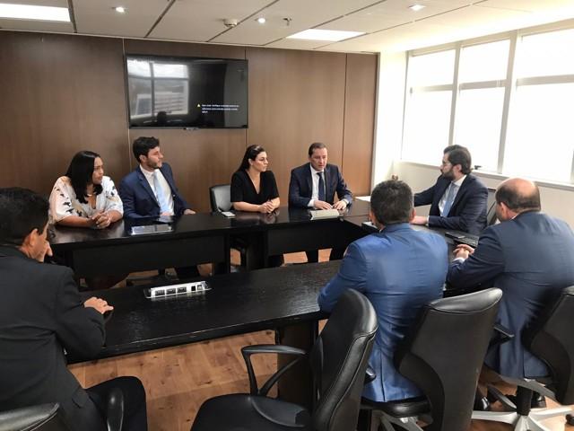 Vereadora Joelna Holder viaja à Brasília para reunião com o Presidente do FNDE