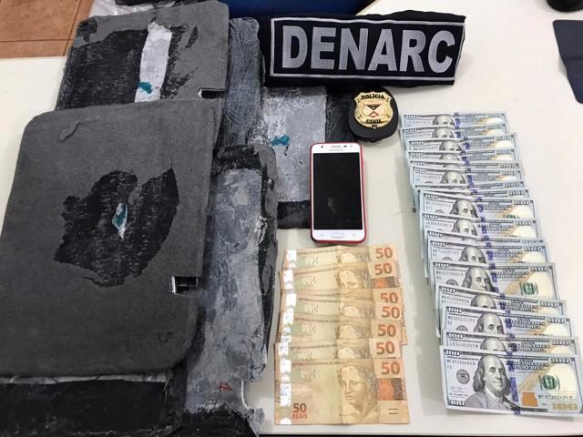 Denarc prende cinco por tráfico e contrabando