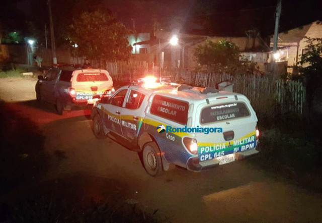 Polícia usa arma de choque e salva mulher de ser morta pelo namorado