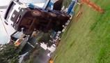 Vídeo: Guindaste vira e derruba barco no Rio Guaporé