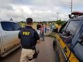 Manifestantes liberam a BR-364 em Candeias do Jamari