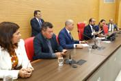 Em sessões extraordinárias, deputados aprovam três projetos encaminhados pelo Executivo