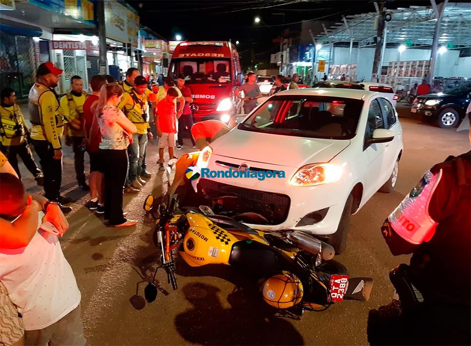 Colisão frontal deixa mototaxista em estado grave