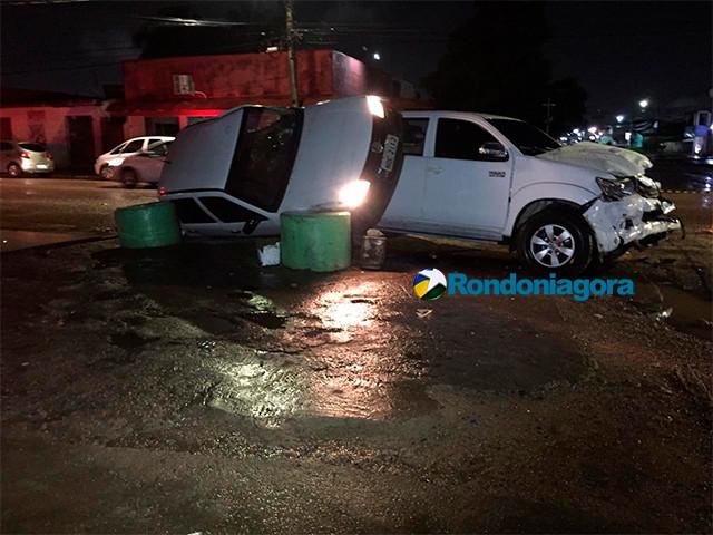 Motorista invade preferencial e causa acidente em Porto Velho.