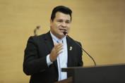 Deputado Marcelo Cruz nega que usou recursos públicos em cirurgia estética