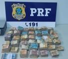 PRF prende dupla com quase R$ 200 mil