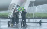 Brasileiros resgatados na China já estão em quarentena na Base Aérea de Anápolis
