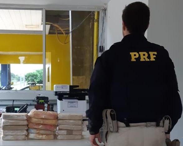 PRF apreende quase 18 quilos de drogas no interior da Redação