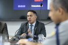 Deputado Eyder Brasil busca diálogo sobre problemas na saúde de Guajará-Mirim