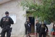 PF cumpre mandado de reintegração de posse em residencial invadido