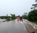Vídeo: BR-364 está interditada em Presidente Médici devido a chuvas e sem previsão de liberação