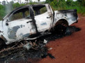 Casal morre após colisão frontal entre caminhonete e moto; veículos pegaram fogo