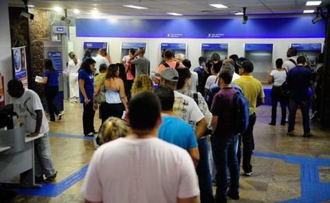 Coronavírus: Sindicato entra na Justiça para impedir que bancos e cooperativas tenham atendimento ao público