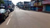 Coronavírus: Centro comercial deserto e supermercados sem filas no quarto dia de quarentena na Capital