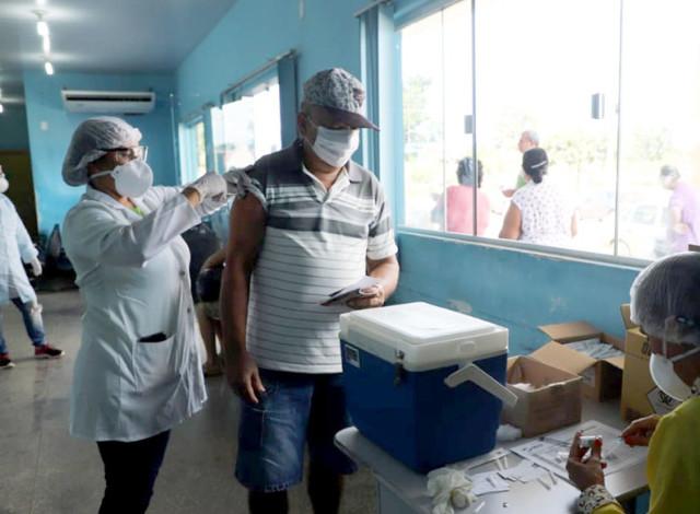 Porto Velho já imunizou 30 mil pessoas em dois dias de vacinação contra gripe; doses acabaram