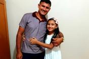 Pai e filha morrem atropelados por carro em alta velocidade