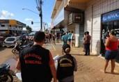 Fiscalização interditou 60 estabelecimentos por desrespeitarem quarentena; mais de 500 foram notificados