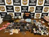 Membros de facção são presos com droga, celulares e outros objetos que seriam jogados em presídio