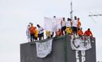 Vídeo: Detentos fazem rebelião e mantém agentes reféns em Manaus