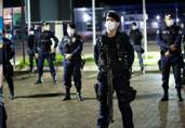 Leis confirmam aumento para policias e indenização de R$ 300 para quem enfrenta o Coronavírus