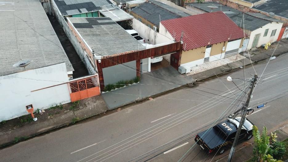 Vídeo: PF faz operação para desarticular esquemas de fraudes na Sesau; há prisões