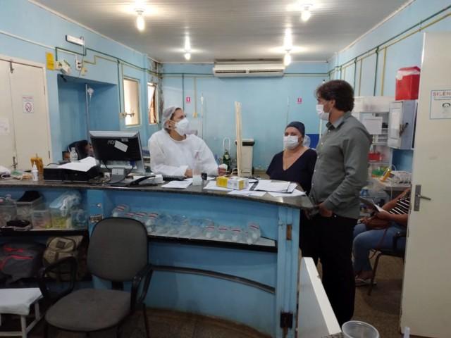 Waldemar Neto, vereador recém empossado, acompanha trabalhos na policlínica Dra. Ana Adelaide