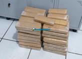 PM prende mulheres com 65 tabletes de maconha; traficante também foi preso