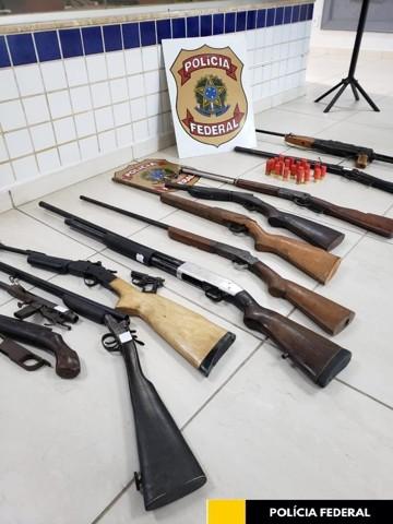 PF prende armeiro com várias armas de fogo