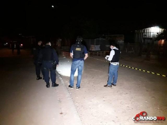 Em Ji-Paraná quatro pessoas são baleadas e uma morre no local