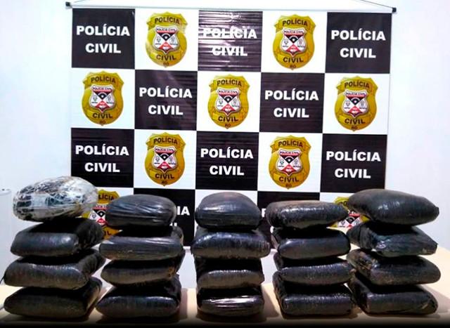 Polícia prende homem com 22 quilos de cocaína