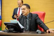 Eyder Brasil entrega e vistoria mais de R$ 1 milhão em emendas no interior