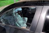 Mais um morador de rua é preso após jogar pedra em veículo
