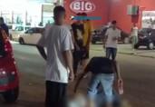 Homem tenta matar policial e acaba morto com tiro em frente a panificadora