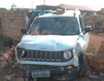 Após perseguição, Polícia prende dupla tentando atravessar carro roubado para a Bolívia