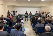 MP denuncia e Justiça proíbe Breno Mendes de fazer campanha em órgãos públicos