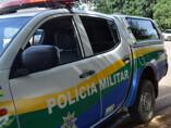 Bandidos invadem comércio de carne e roubam R$ 10 mil e caminhonete