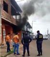 Incêndio destrói veículo na Capital