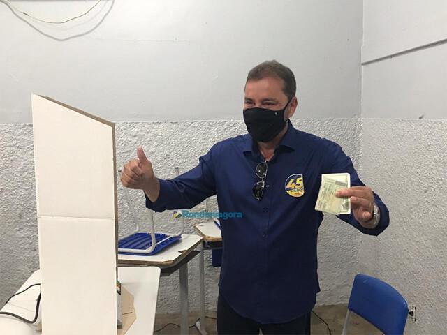 Vídeo: Prefeito Hildon diz acreditar em vitória no 1º turno