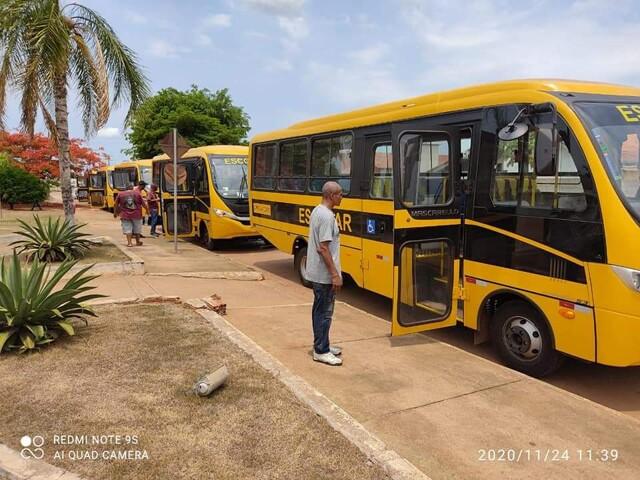 Emenda de Lúcio Mosquini garante 5 ônibus escolares para Nova Mamoré