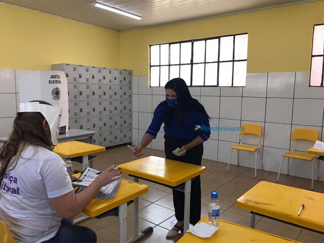 Cristiane Lopes vota e diz que povo vai tomar decisão certa