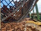 Teto de escola desaba em Buritis