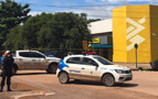 PM e Polícia Civil cercam agência do banco do Brasil onde gerente estaria amarrada a explosivos