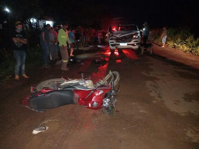 Jovem morre após colisão de moto com S-10
