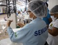 Agendamento de vacinas para idosos a partir de 65 anos encerra em menos de 3 horas