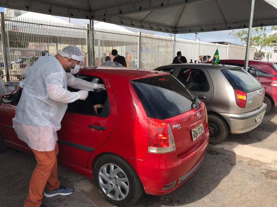 Sesau faz drive-thru de testes de Coronavírus na Zona Leste da Capital