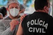 Após pressão, Governo começa a vacinar policiais civis e penais em Rondônia