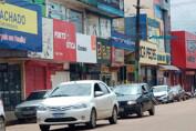 Governo libera venda de bebidas e comércio em fins de semana; bares já podem abrir