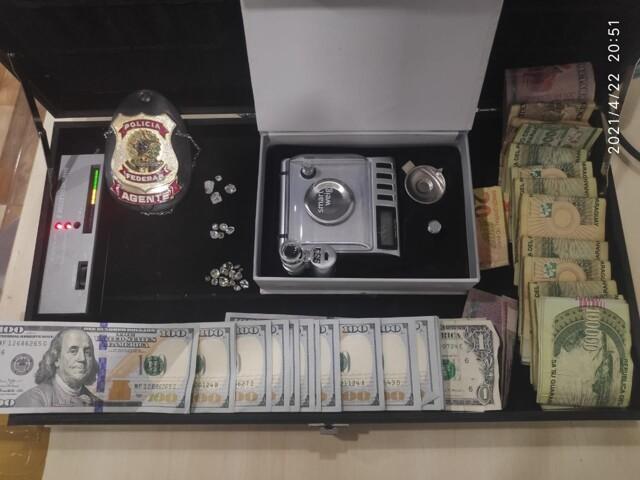 Brasileiro, americano e paraguaio são presos tentando embarcar com diamantes em Cacoal