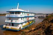 Barco Hospital leva atendimento para mais de 5 mil ribeirinhos ao longo do rio Guaporé