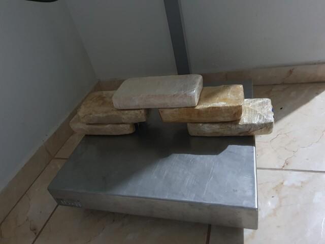 PRF apreende 5 kg de pasta base de cocaína e 27 kg de maconha